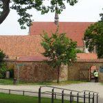 Durchgang zum Klostergelände